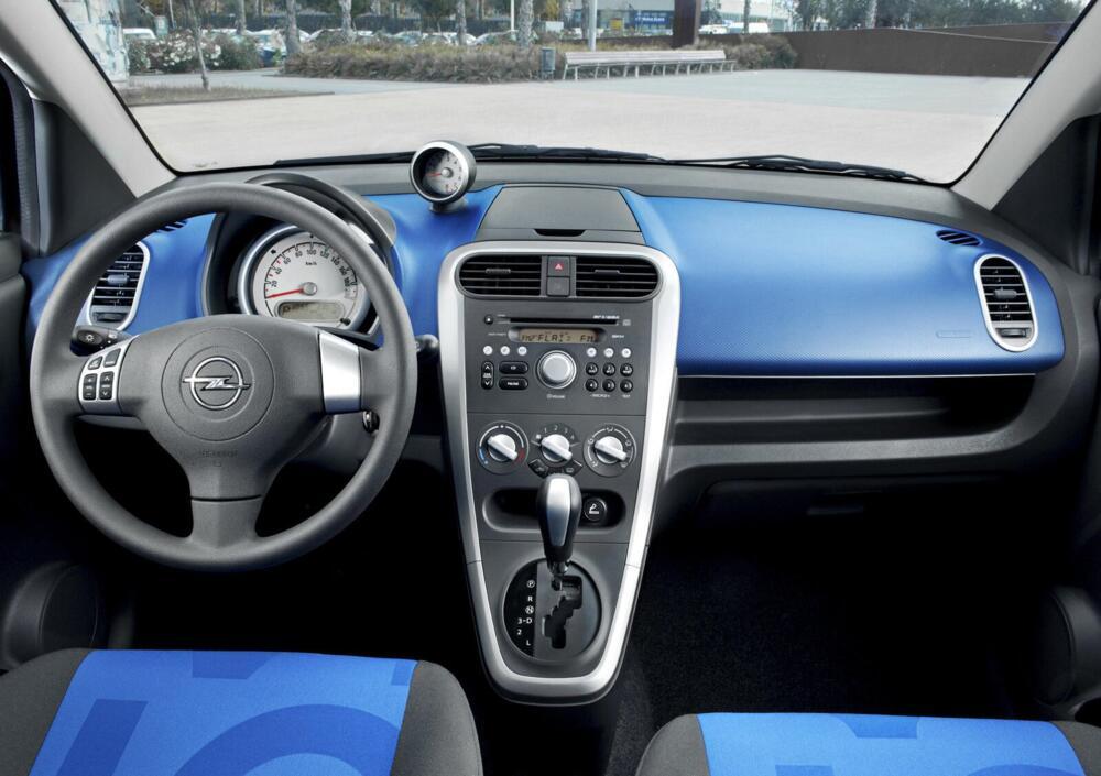 Opel Agila anno 2008