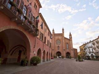 Alba locale commerciale centro storico