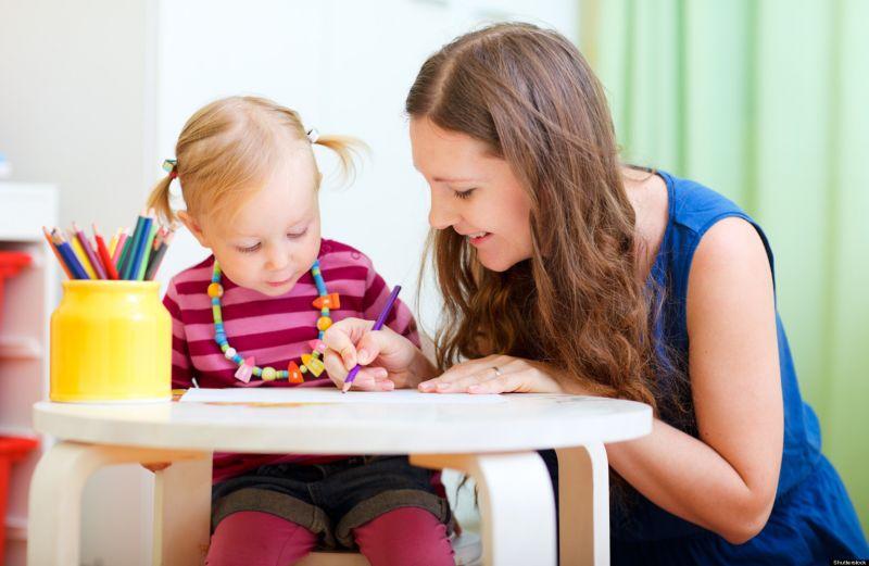 Signora albese cerca lavoro come baby sitter o addetta al confezionamento