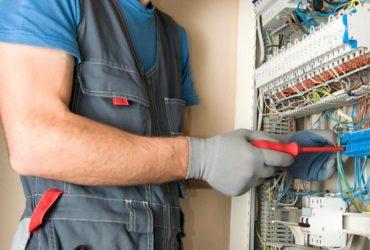 Cercasi operai elettricisti
