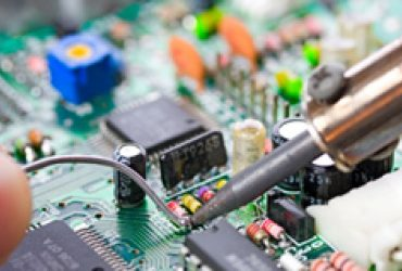 Azienda ricerca apprendista operaio, perito elettronico
