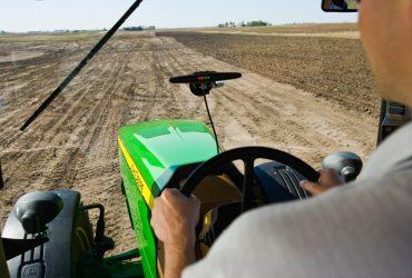 Trattorista/operaio agricolo cercasi