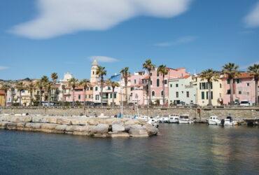 Riva Ligure vendesi appartamento a 200mt. dal mare