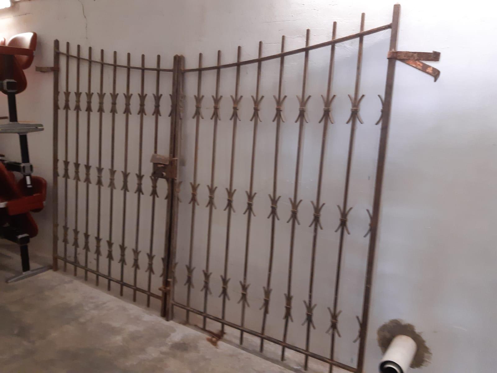 Cancello in ferro pieno
